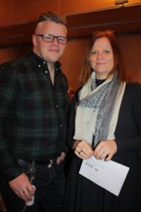 Kurt Naslund, daglig leder i Frontal Media og Kjersti Forbord Jensås, kommunalsjef i Røros kommune var begge godt fornøyd med samarbeidet.