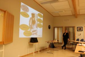 Kursholder Liv Ragnhild Sjursen, fra NTB Arkitekst, ga en god innføring i hva klart språk handler om