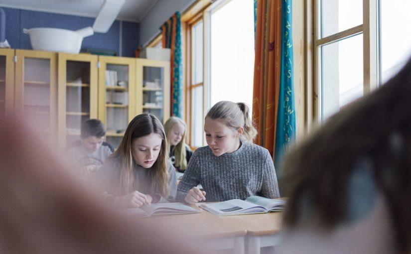 Ungdomstrinnet, kulturskolen og voksenopplæringa i Røros er tilbake på gult nivå