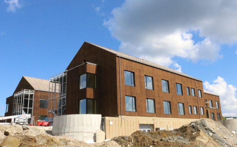 Snart i mål med første byggetrinn på nye Øverhagaen bo-, helse- og velferdssenter