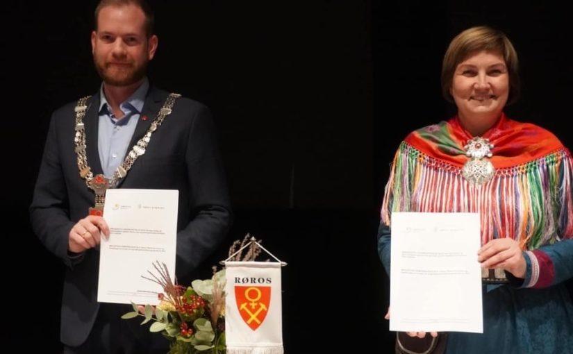 Signering av samarbeidsavtale mellom Røros kommune og Sametinget.