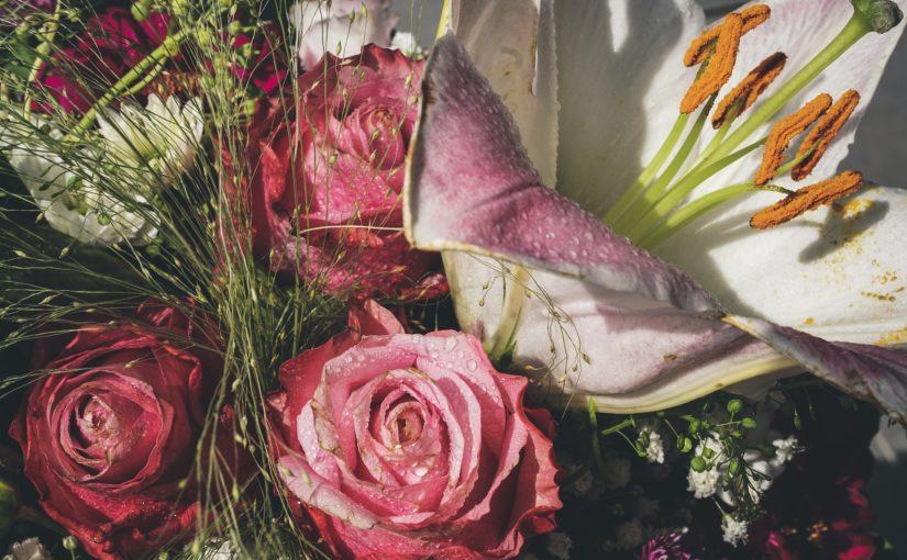 Hvem synes du fortjener en blomsterhilsen i adventstiden?